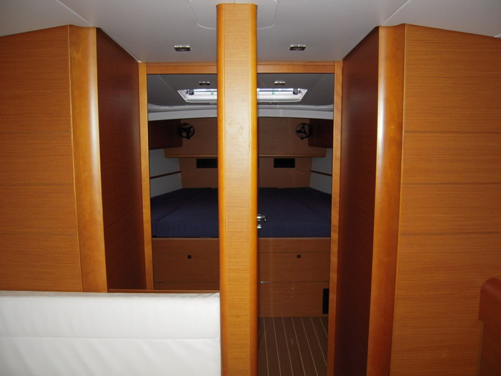 Jeanneau Sunsail 51 between personal and professional