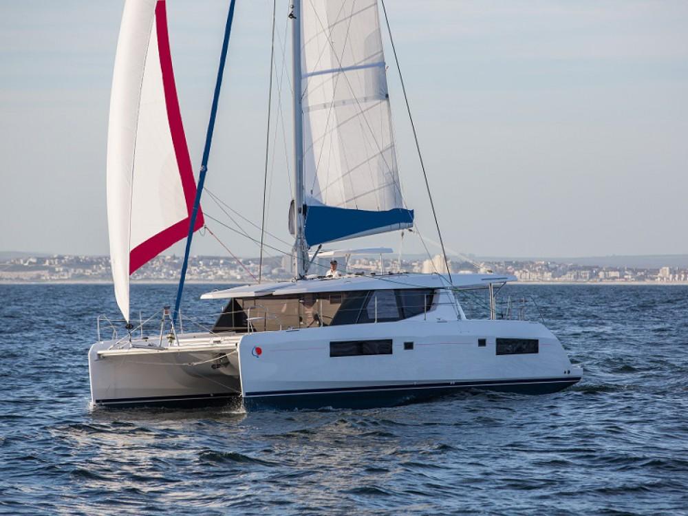 Rental Catamaran in Saint Martin - Leopard Sunsail 454