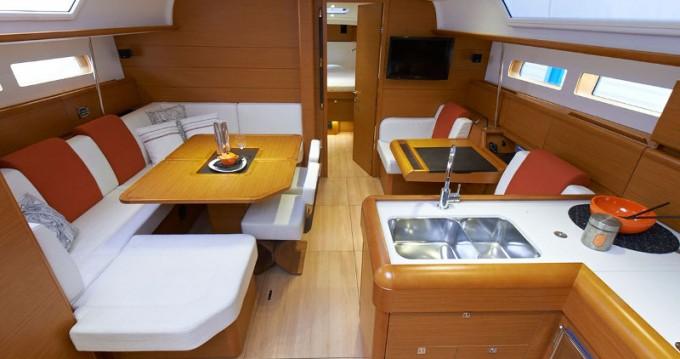 Rental yacht Marina - Jeanneau Sunsail 47 on SamBoat