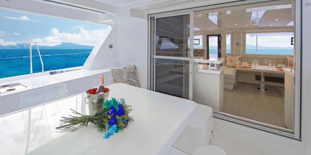 Rental Catamaran Leopard with a permit