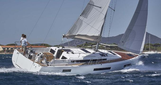 Boat rental Raiatea cheap Sunsail 44