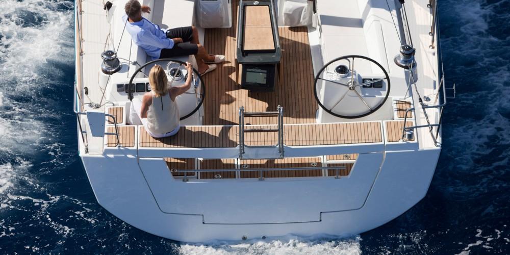 Rental yacht Castries - Bénéteau Moorings 48.4 on SamBoat