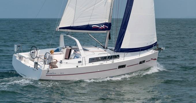 Boat rental  cheap Moorings 382