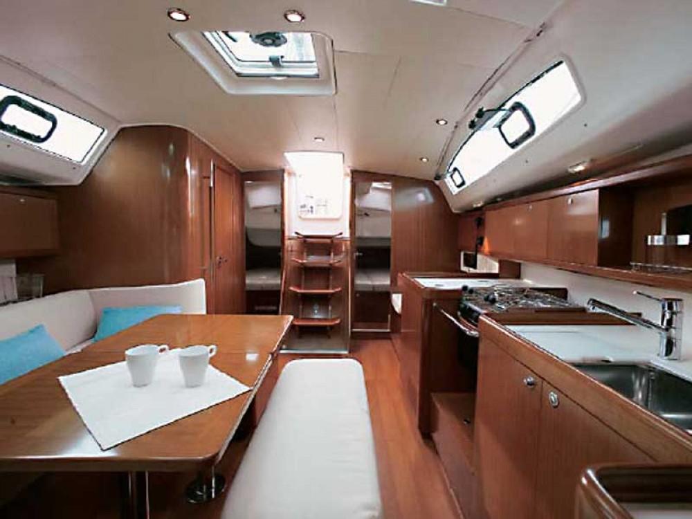 Rental yacht  - Jeanneau Sunsail 41.3 on SamBoat
