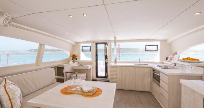 Leopard Sunsail 404 between personal and professional Marina