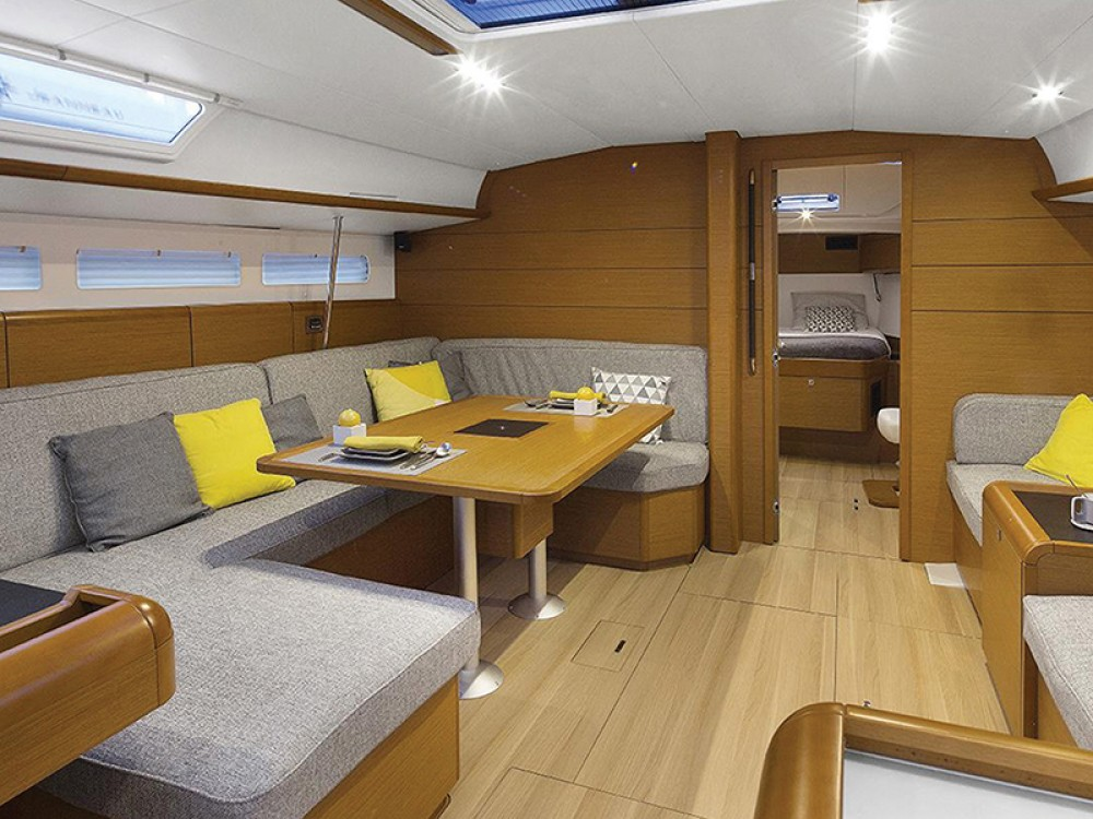 Rental yacht Marigot - Jeanneau Moorings 51.4 on SamBoat