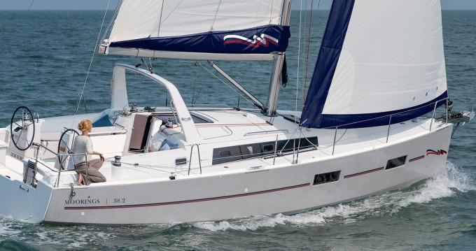 Rental yacht Road Town - Bénéteau Moorings 382 on SamBoat