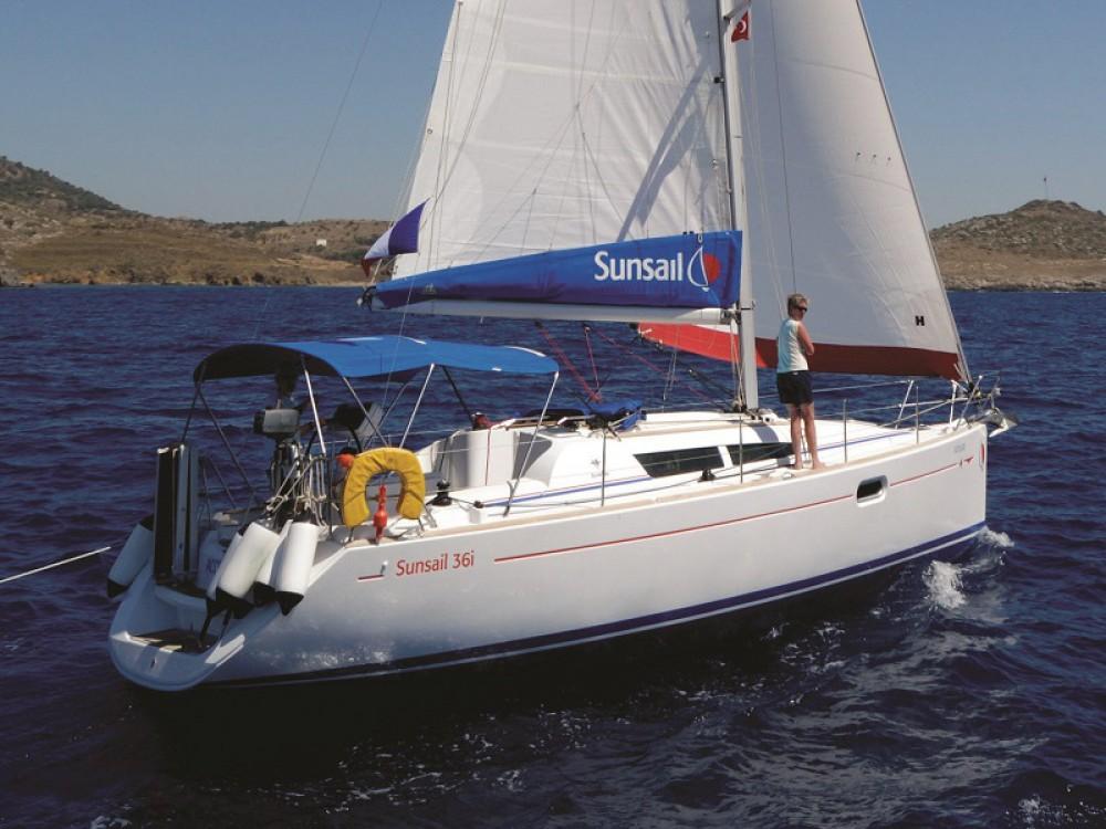 Boat rental Jeanneau Sunsail 36i in Lefkada on Samboat