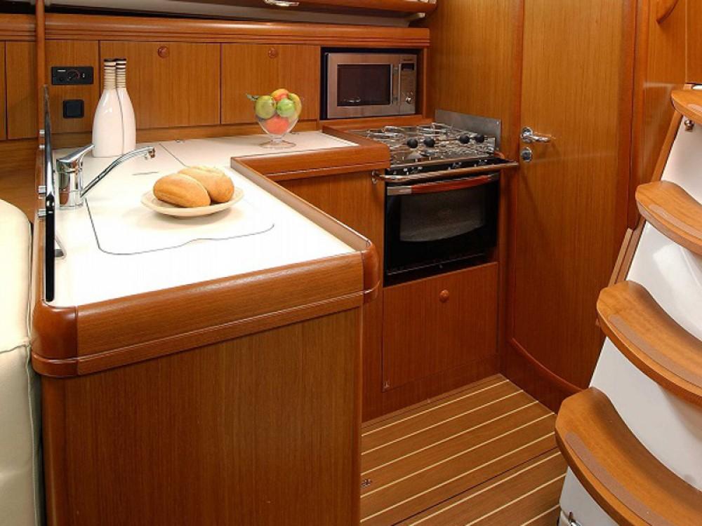 Rental Sailboat in Lefkada - Jeanneau Sunsail 36i