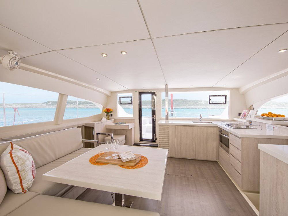 Hire Catamaran with or without skipper Leopard