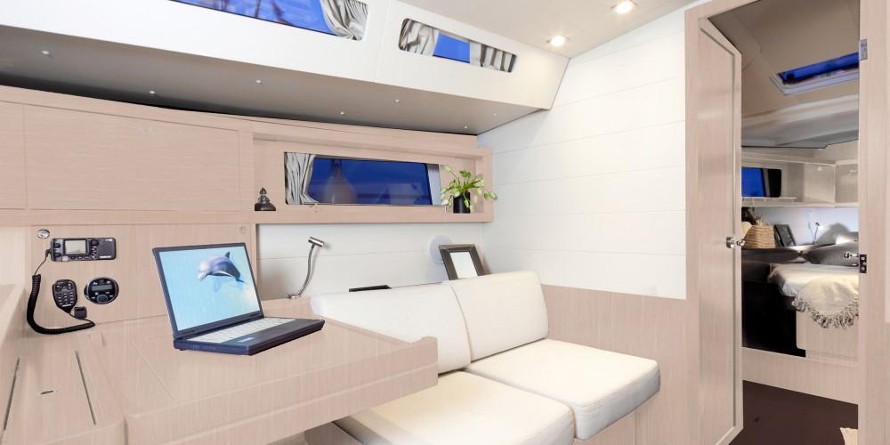 Rental yacht Marina Gouvia - Bénéteau Moorings 48.4 on SamBoat