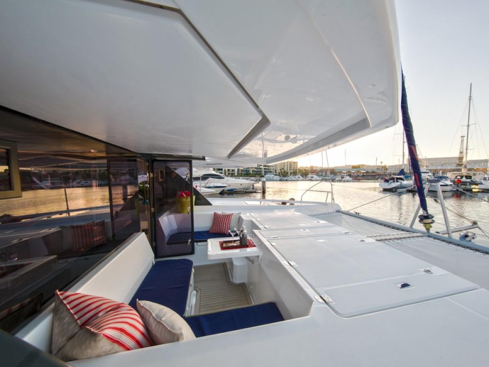 Rental Catamaran in Marina - Leopard Sunsail 454