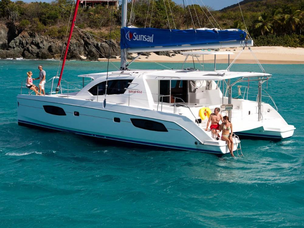 Rental Catamaran in  - Leopard Sunsail 444