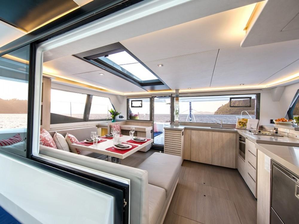 Boat rental Leopard Sunsail 454 in Komolac on Samboat