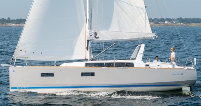 Rental Sailboat in Lefkada (Island) - Jeanneau Sunsail 38