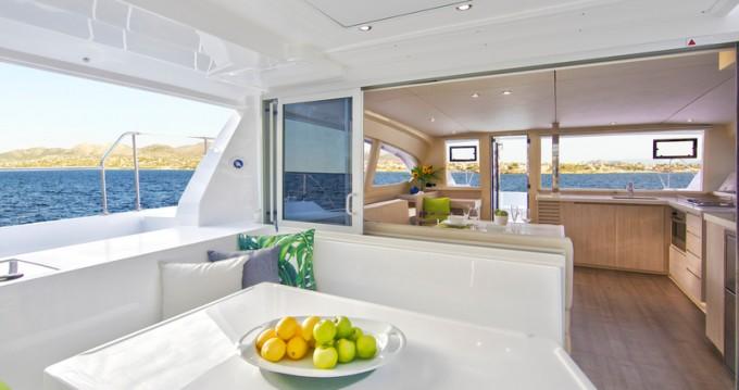 Rental Catamaran in Eden Island - Leopard Sunsail 404