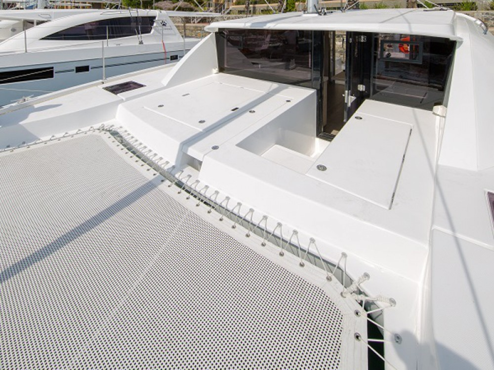 Leopard Sunsail 404 between personal and professional Victoria