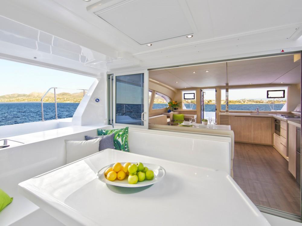 Boat rental Leopard Sunsail 404 in Palma on Samboat