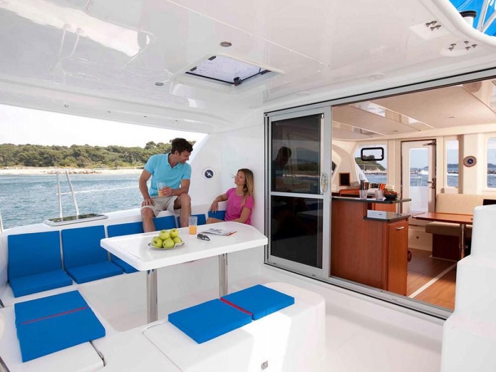 Boat rental Victoria cheap Sunsail 444