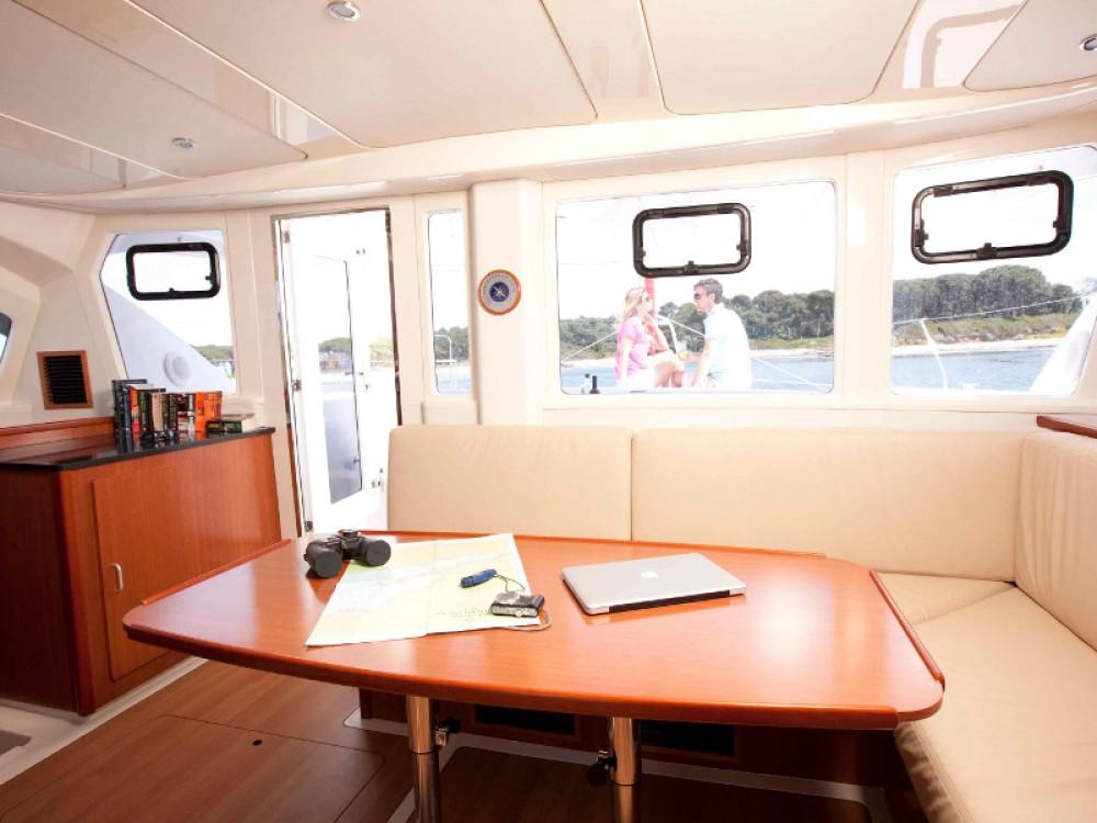 Rental yacht Victoria - Leopard Sunsail 444 on SamBoat