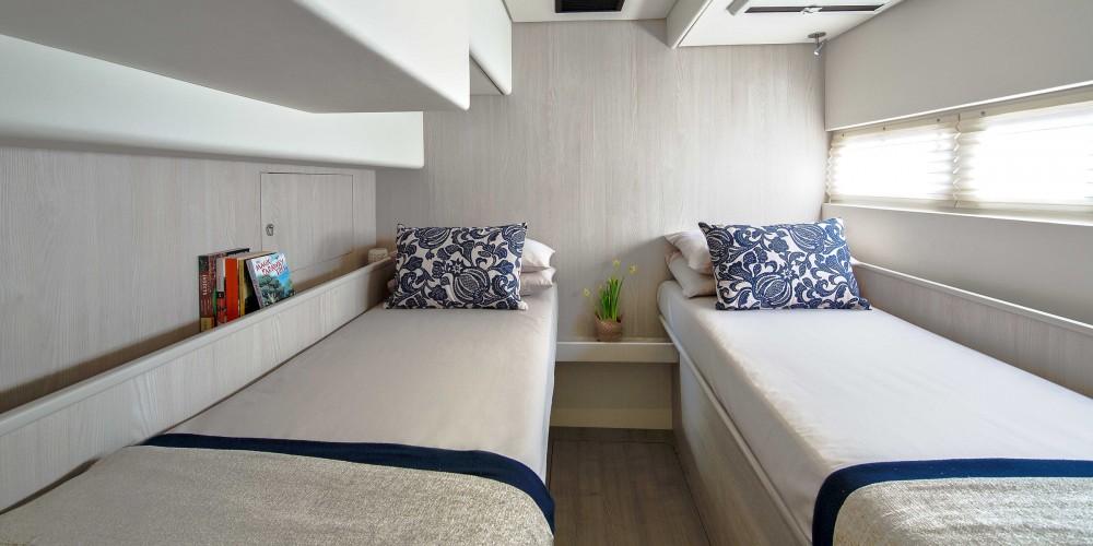 Boat rental Leopard Moorings 5800 in Road Town on Samboat