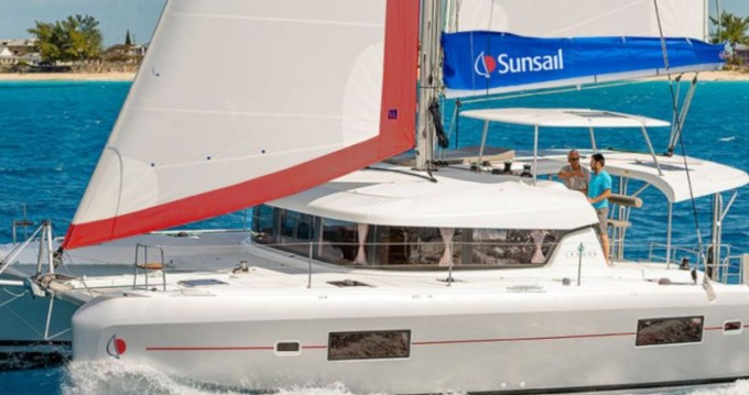 Lagoon Sunsail 424 between personal and professional