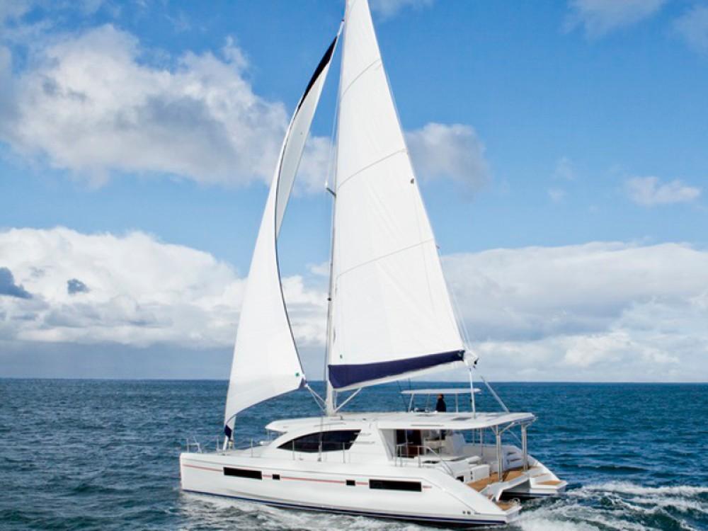 Rental Catamaran in Road Town - Leopard Sunsail 484