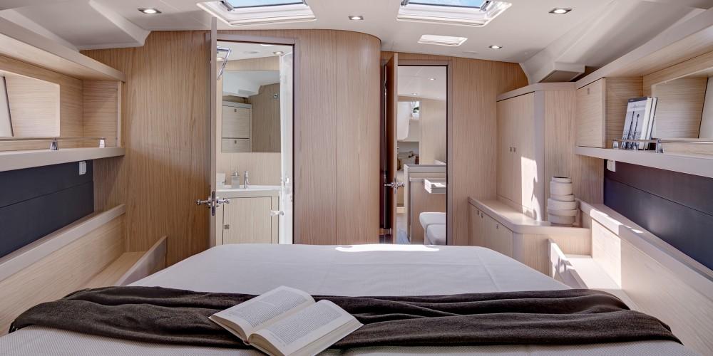Rental yacht Marigot - Bénéteau Moorings 453 on SamBoat