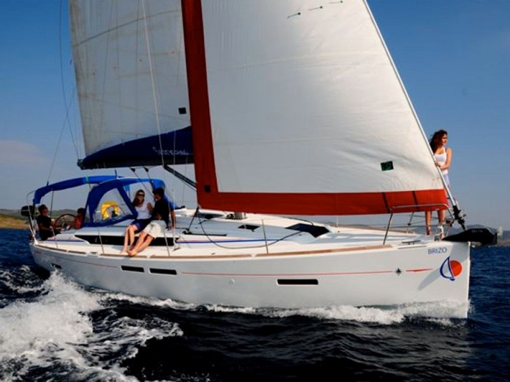 Hire Sailboat with or without skipper Jeanneau Marina Naviera Balear