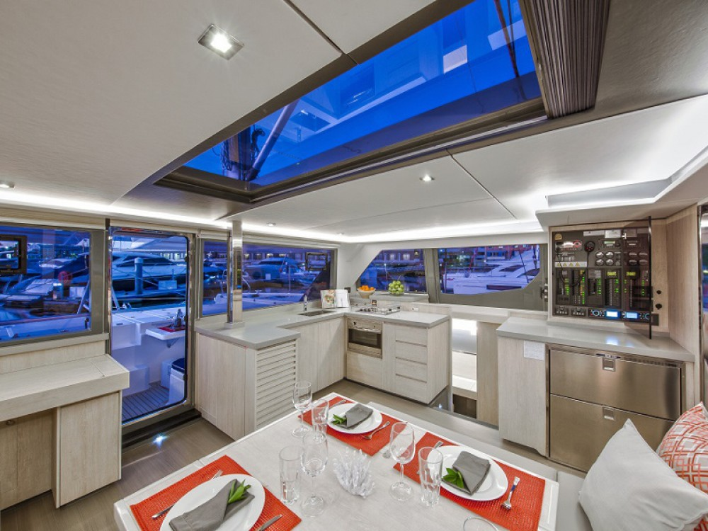 Rental Catamaran in Marina Gouvia - Leopard Sunsail 454-10