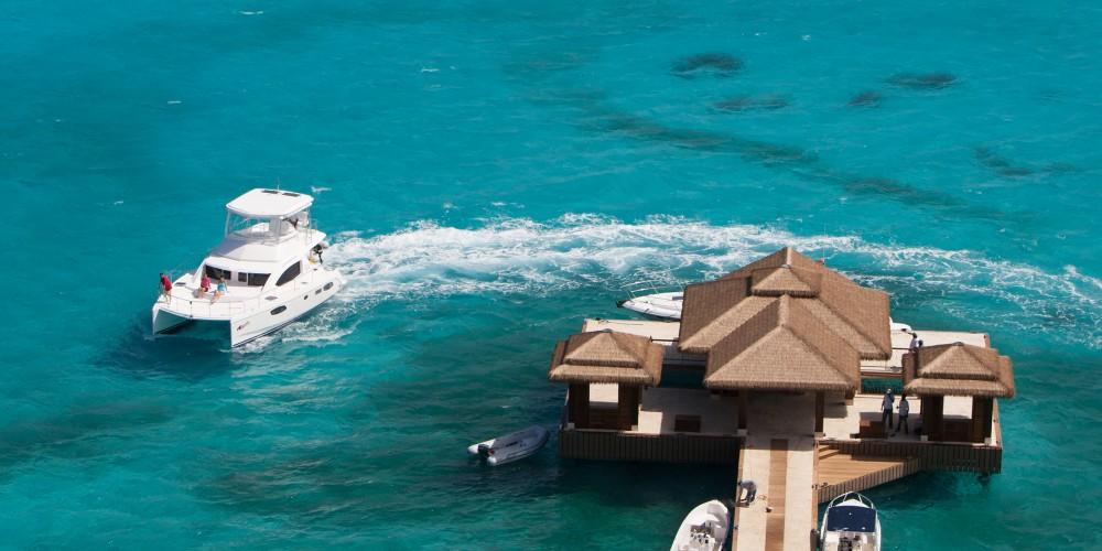 Hire Catamaran with or without skipper Leopard Marina Gouvia