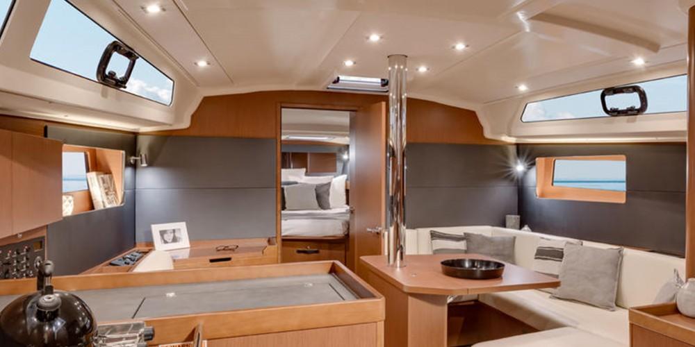 Boat rental Marina cheap Moorings 42.3