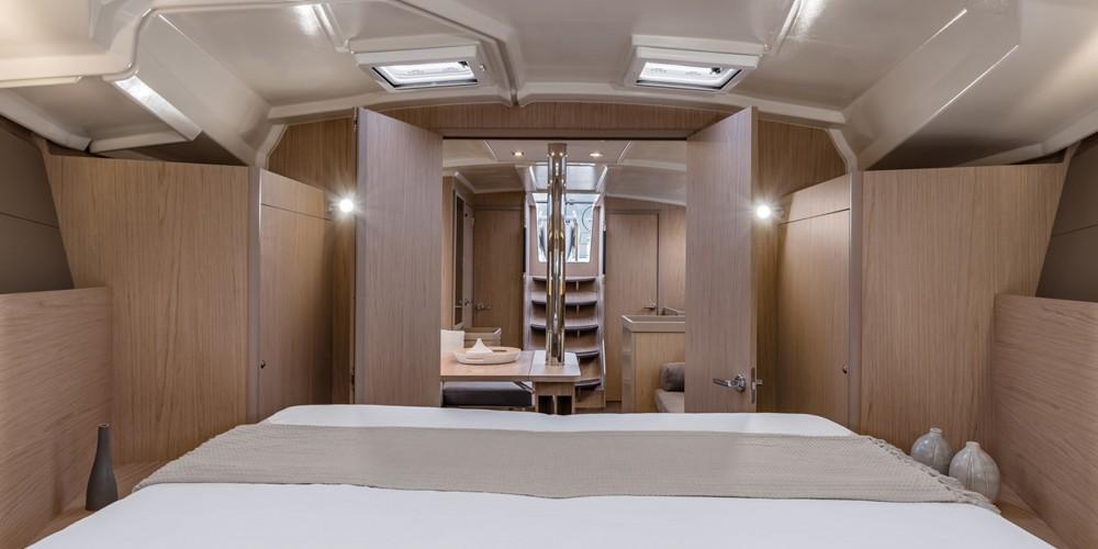 Rental yacht St. George's - Bénéteau Moorings 42.1 on SamBoat