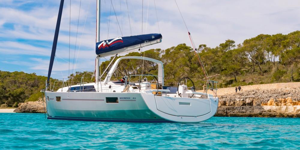 Rental Sailboat in Marina Gouvia - Bénéteau Moorings 42.1