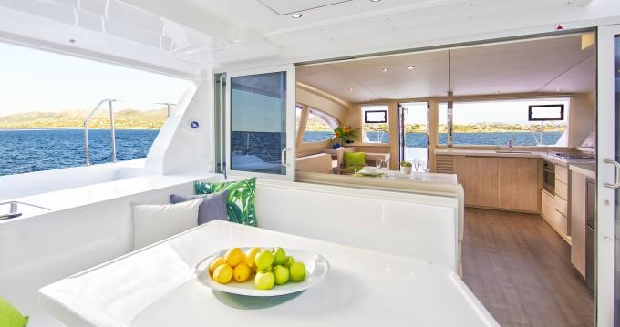 Boat rental Leopard Moorings 4000/3 in Rodney Bay on Samboat