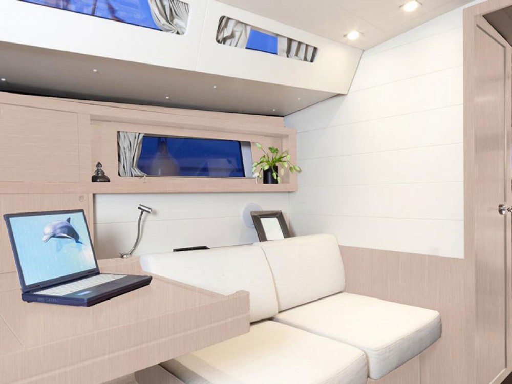 Rental yacht St. George's - Bénéteau Moorings 48.4 on SamBoat