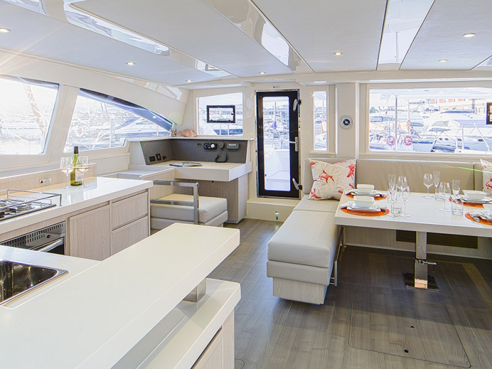 Rental yacht Piraeus - Leopard Moorings 4800 on SamBoat