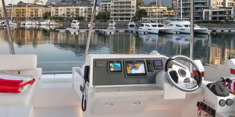 Rental Catamaran in Marina Naviera Balear - Leopard Moorings 434 PC