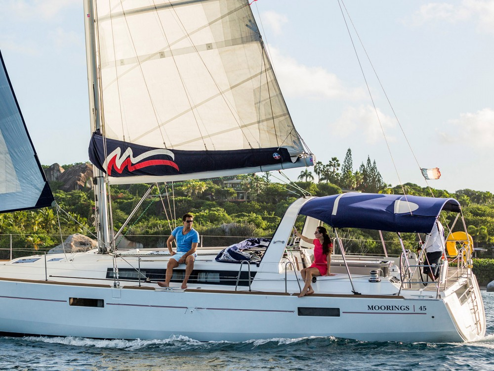 Rental Sailboat in Marina Zeas - Bénéteau Moorings 45