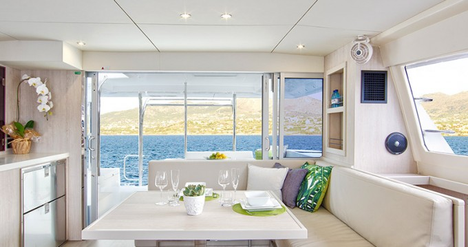 Hire Catamaran with or without skipper Leopard Saint George
