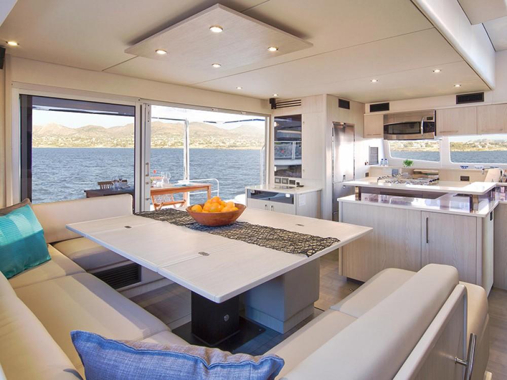 Boat rental Leopard Moorings 5800 in Îles Sous-le-Vent on Samboat