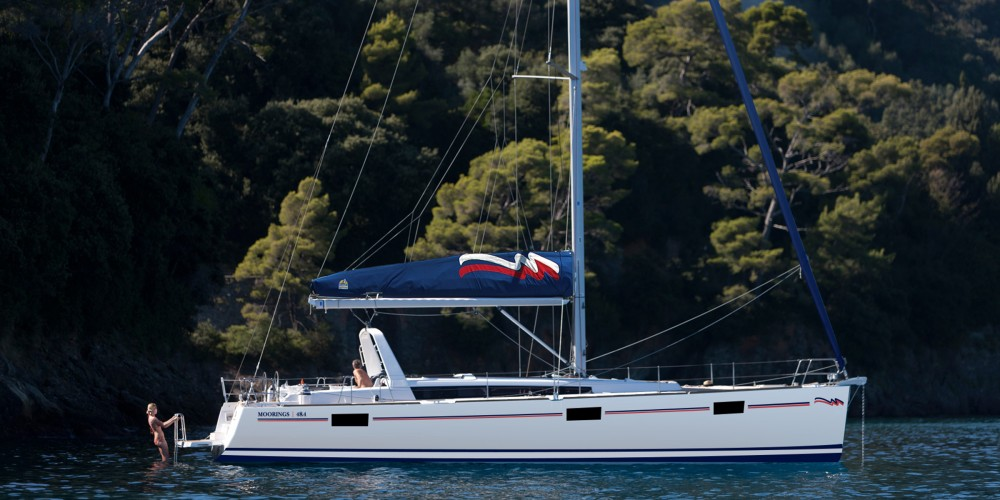 Rental Sailboat in Marina - Bénéteau Moorings 48.4