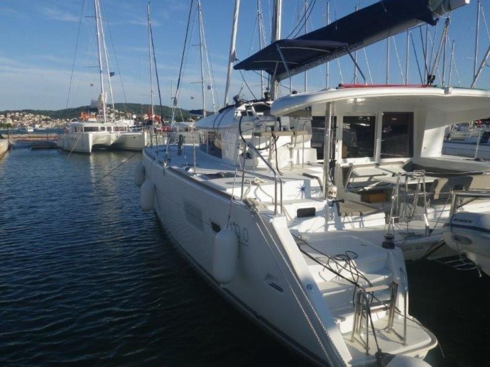 Boat rental Lagoon Lagoon 400 S2 - 4 + 2 cab. in Peloponnese on Samboat