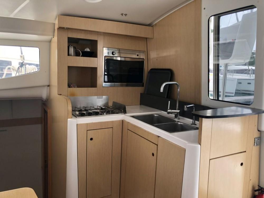 Rental yacht Martinique - Fountaine Pajot Mahe 36 Evolution on SamBoat