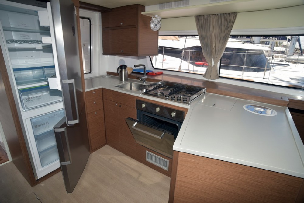 Rental yacht Baie Sainte Anne - Lagoon Lagoon 52 on SamBoat