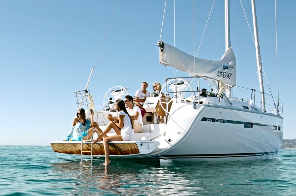 Bavaria Bavaria Cruiser 46 between personal and professional Baie Sainte Anne