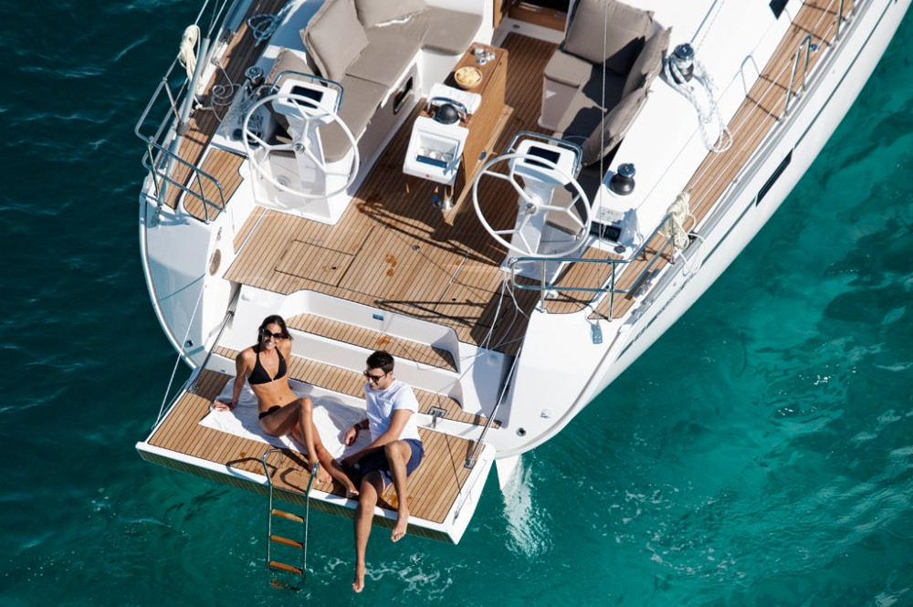 Sailboat for rent Baie Sainte Anne at the best price