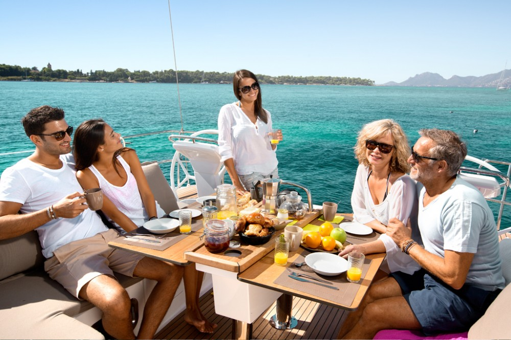 Hire Sailboat with or without skipper Bavaria Baie Sainte Anne
