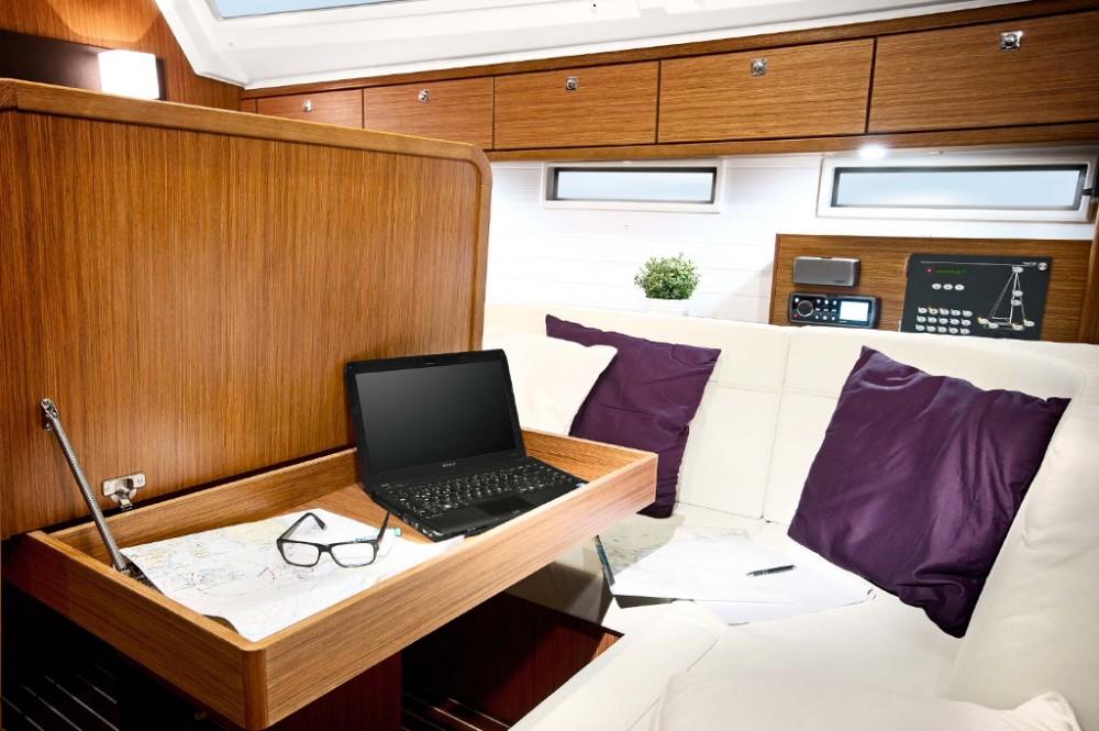 Rent a Bavaria Bavaria Cruiser 46 Baie Sainte Anne