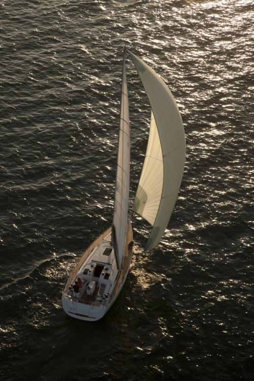 Rental Sailboat in Baie Sainte Anne - Jeanneau Sun Odyssey 409